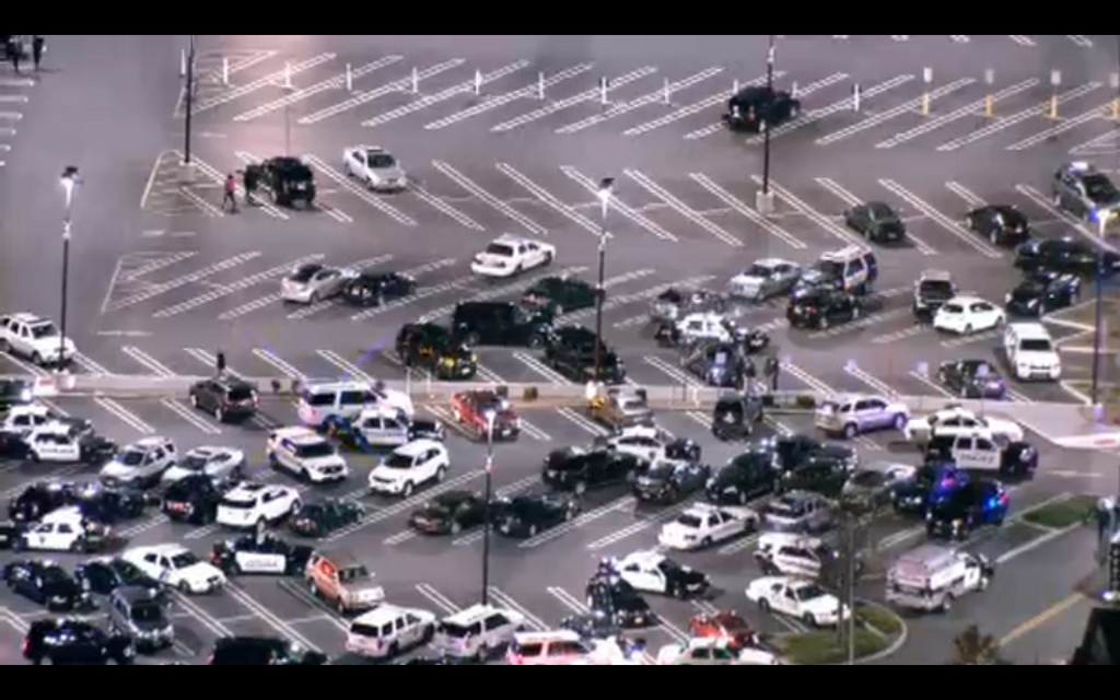 Shooting at garden state plaza mall in paramas nj 5 45am est breaking911 for Is garden state plaza open today